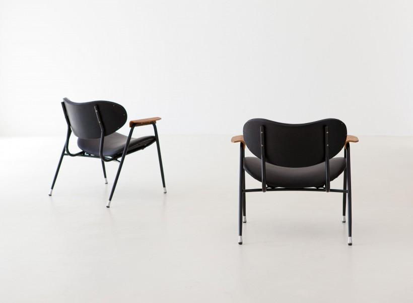 1950s Gastone Rinaldi black leather armchairs SE296