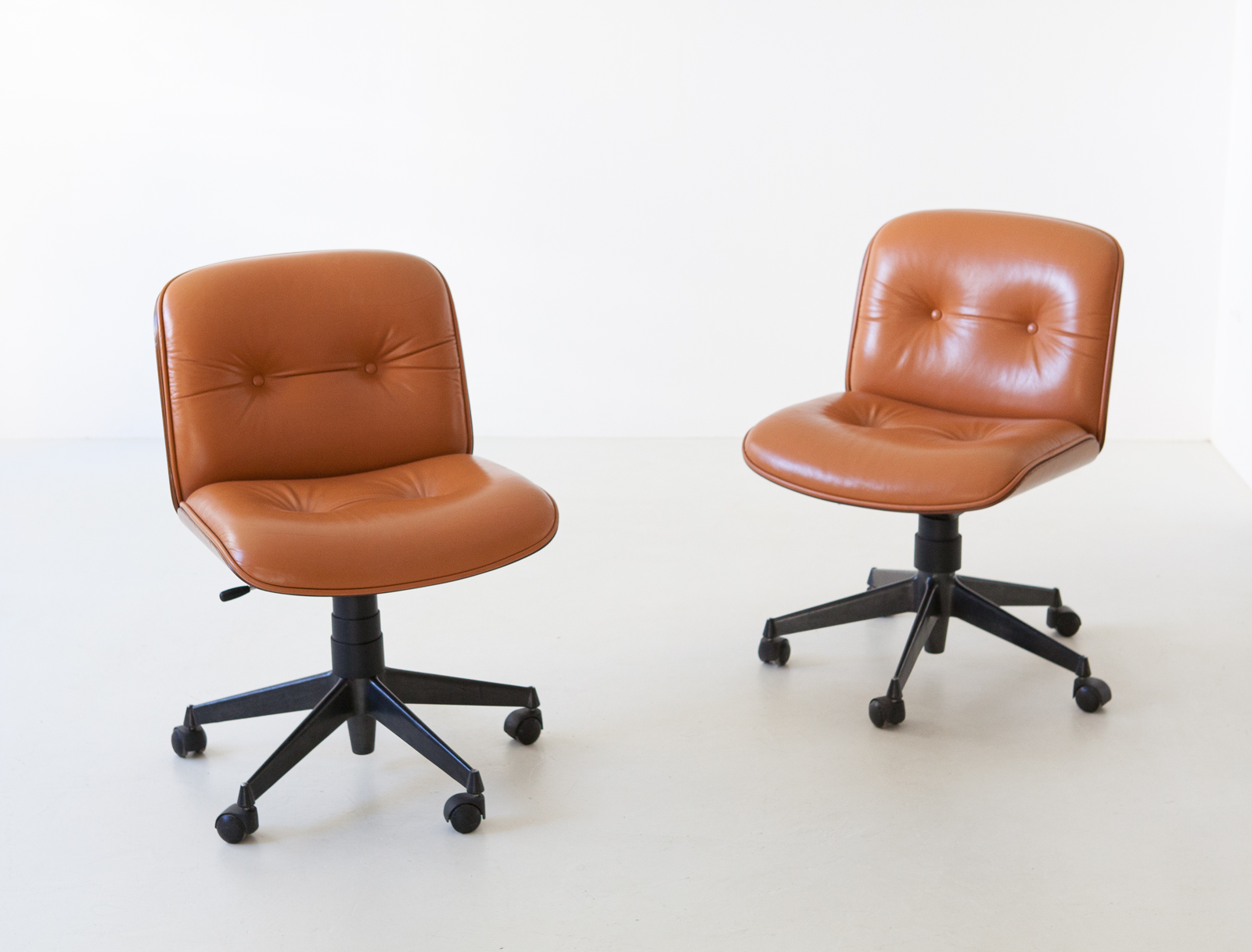 1960s-swivel-desk-chairs-by-ico-parisi-for-mim-4-SE317