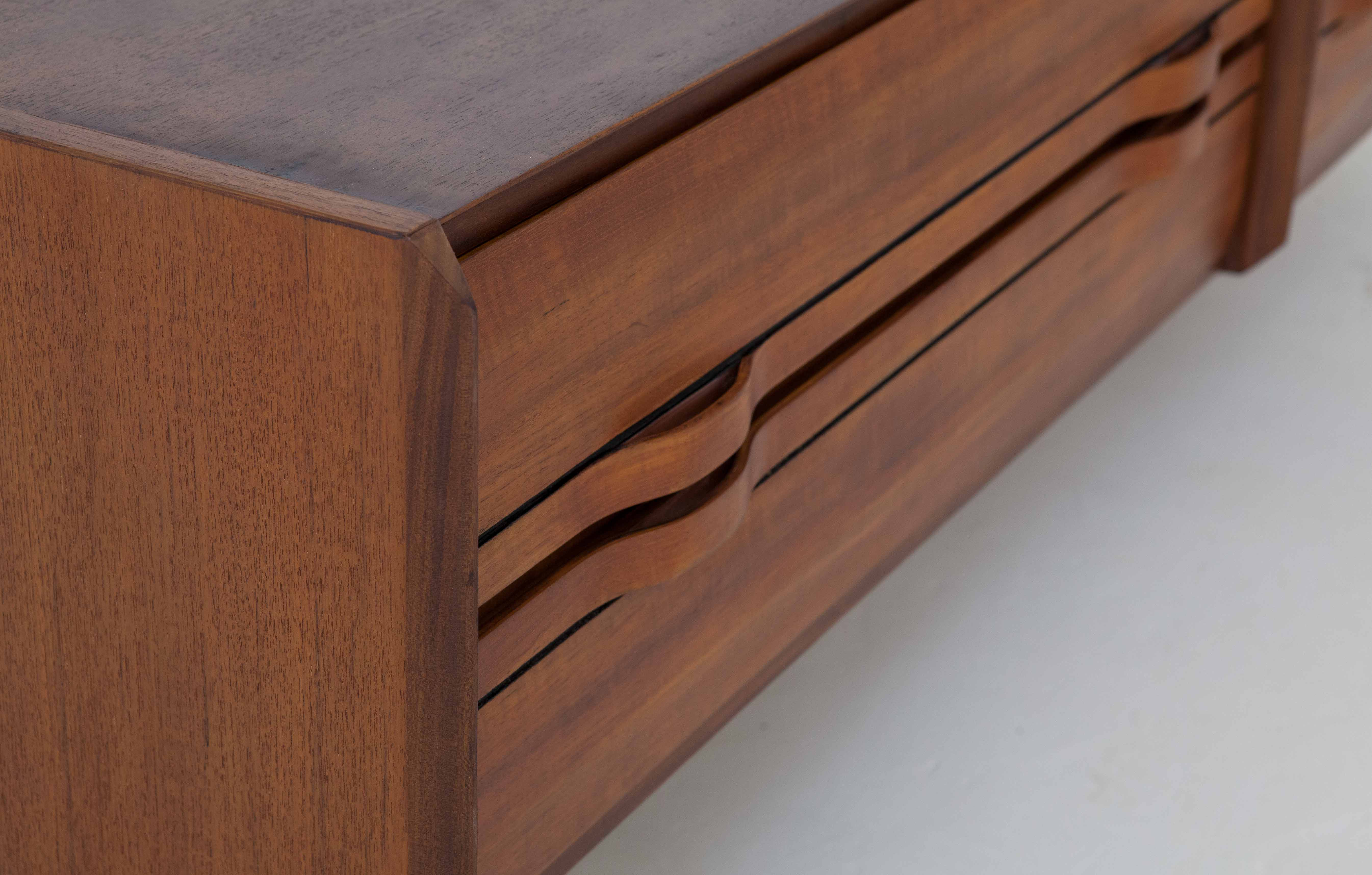 1960's-teak-sideboard-with-drawers-5-st116