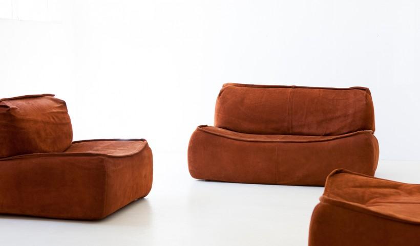 1970s congnac suede leather sofa by Arcon Italia SE330