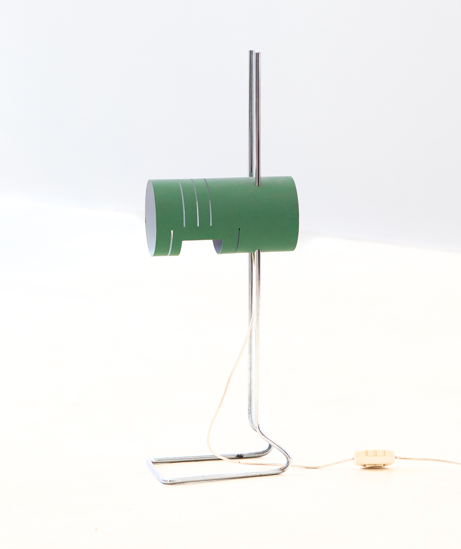 1970s-italian-gree-and-chrome-desk-lamp-1-l90