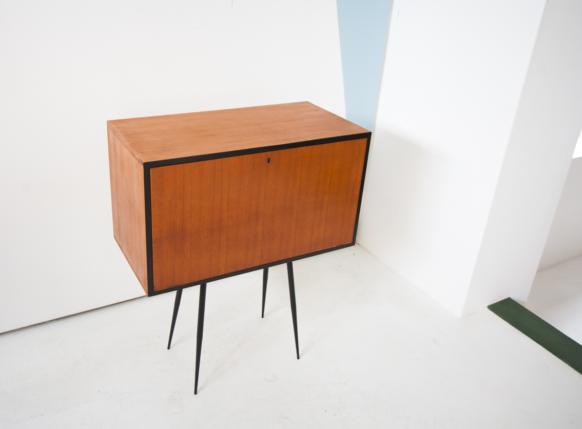 Bs 18 cabinet 3 2 retro4m for Sideboard 3 meter lang