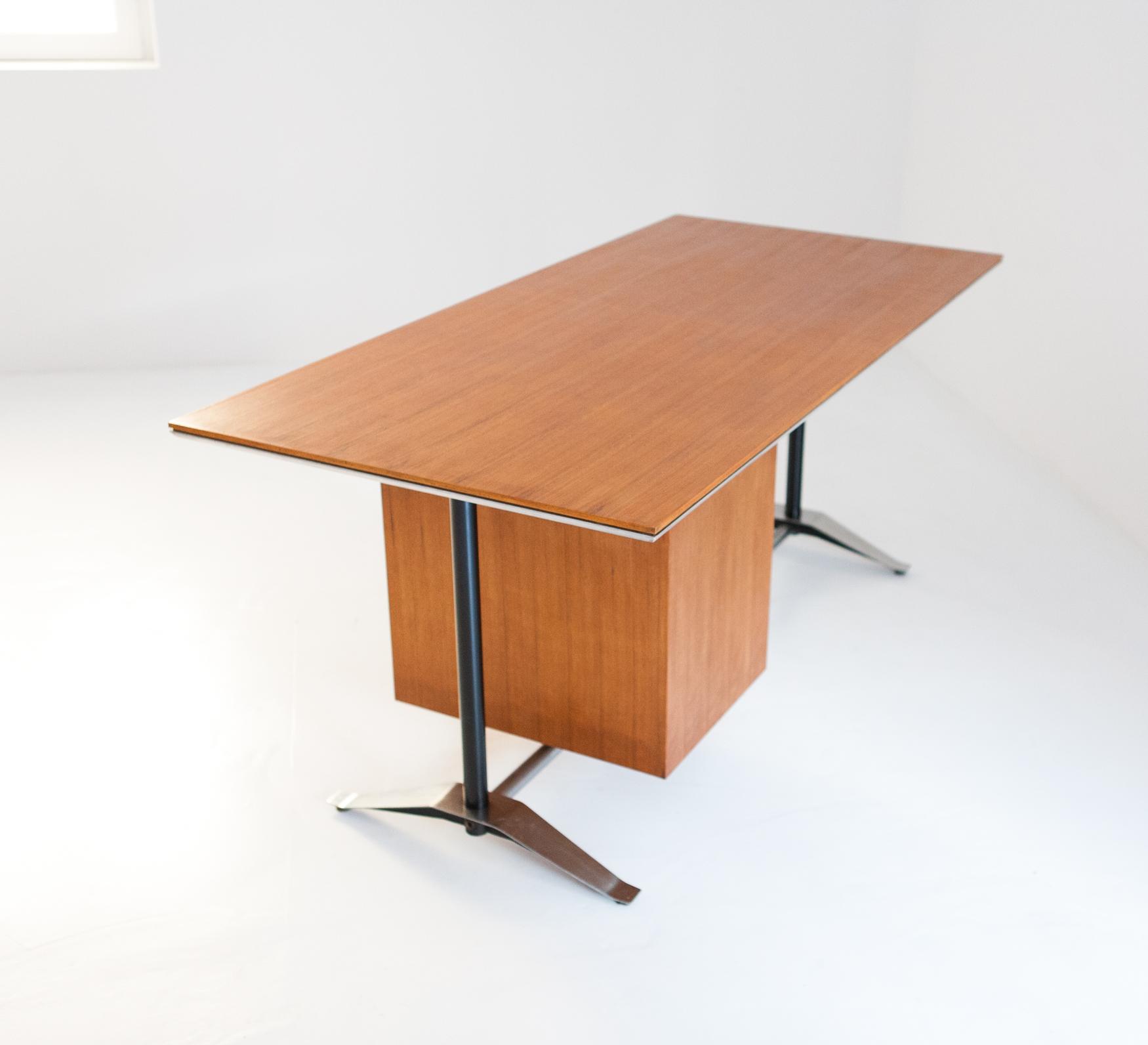 desk 20 – retro4m