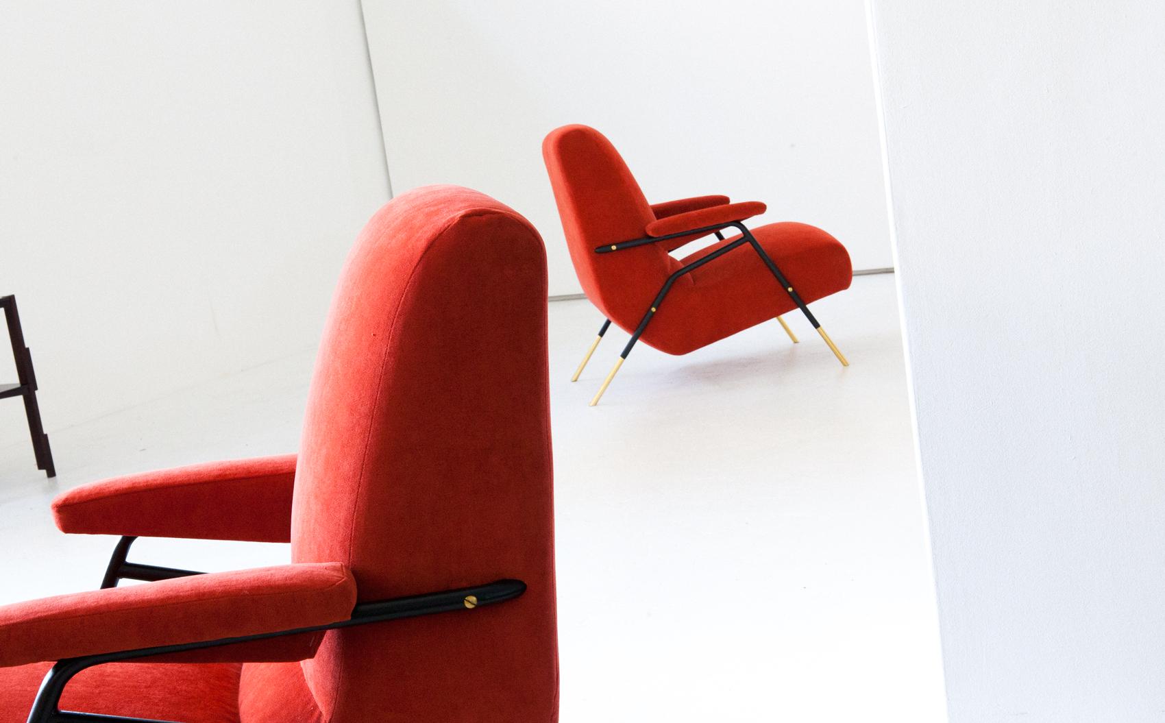 seating-244.4