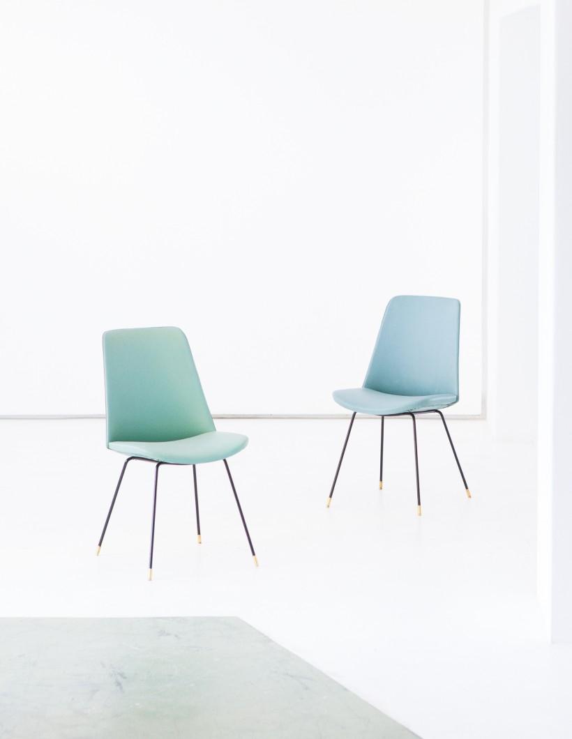 Pair of Italian Easy Skai Chairs SE248