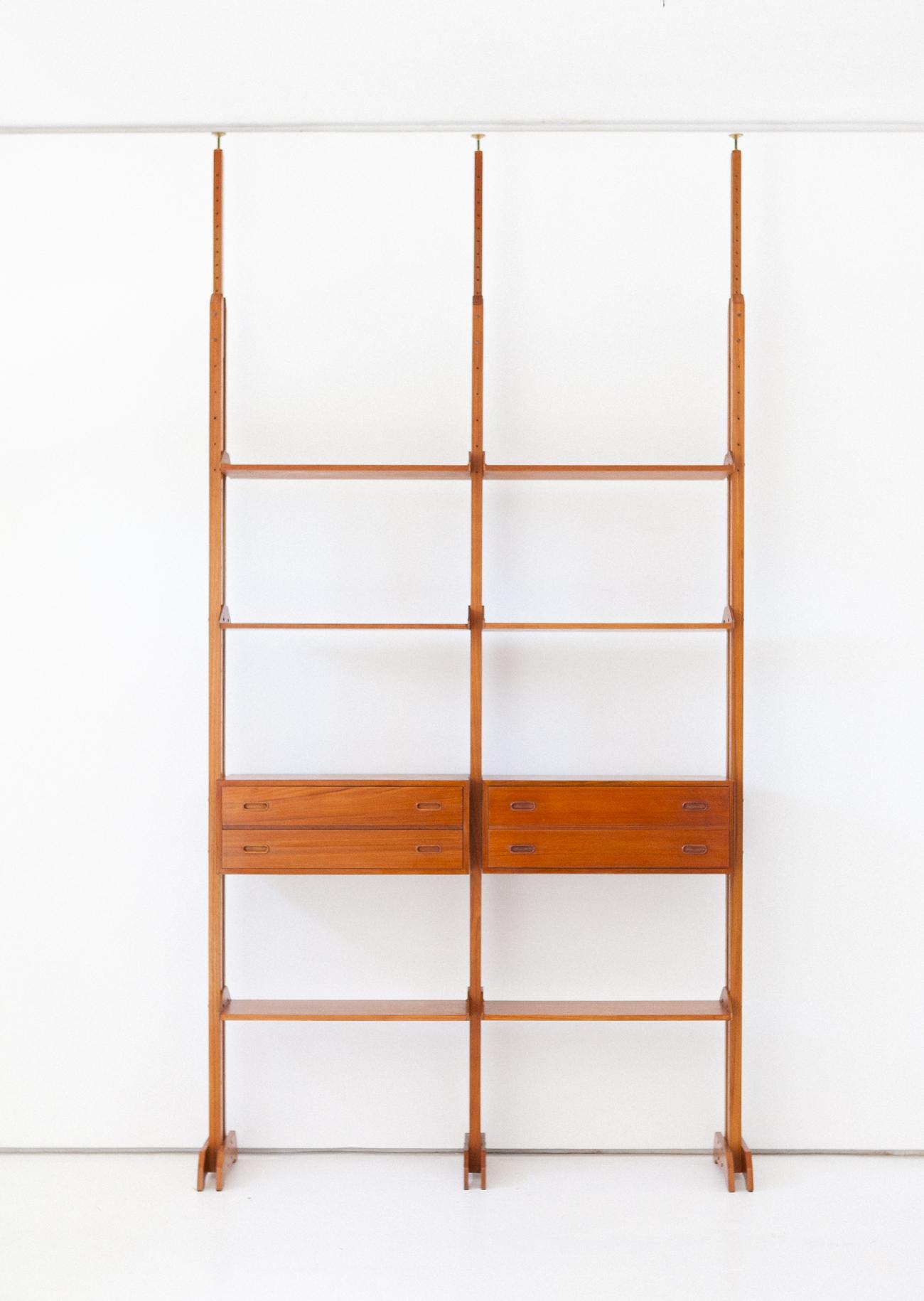 bookshelf-33.10
