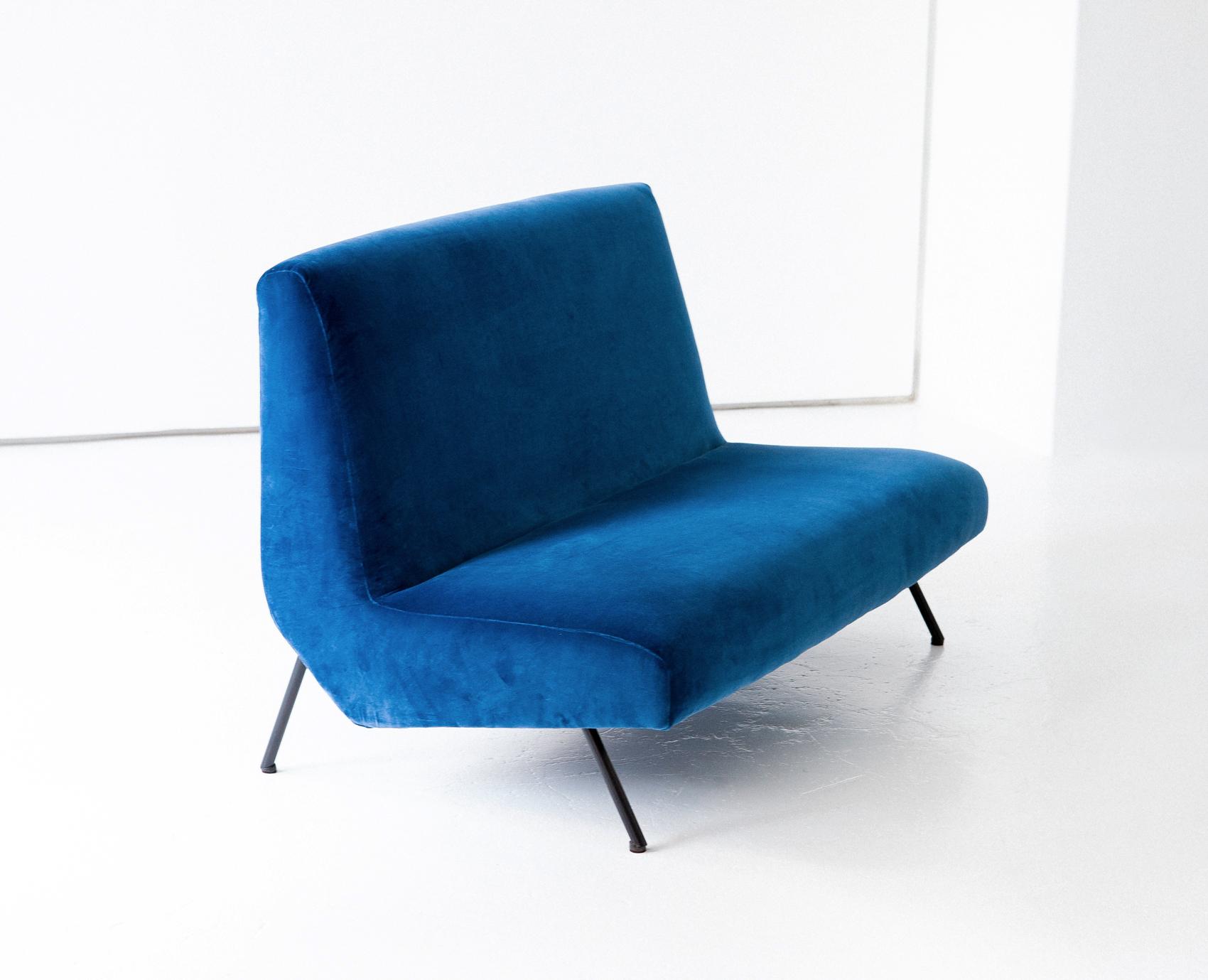 1950s-italian-blue-velvet-ultra-modern-sofa-3