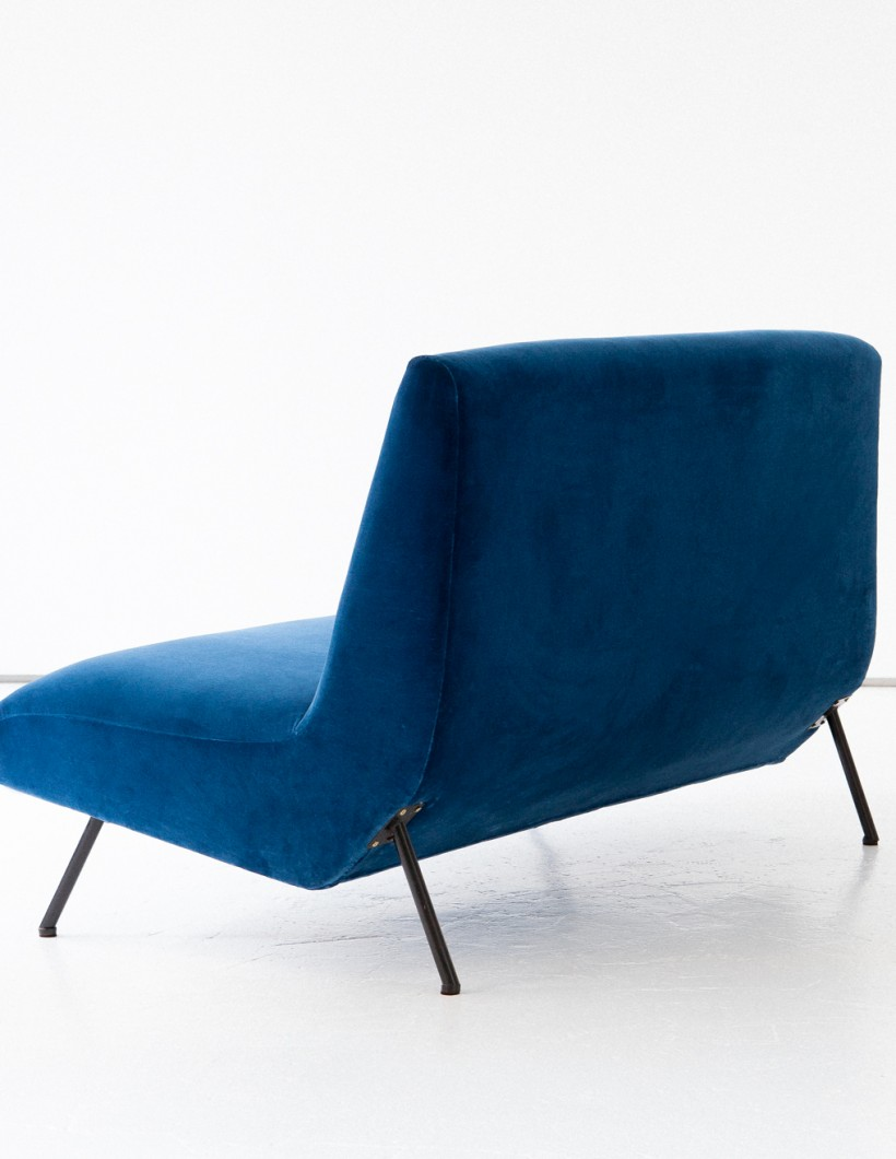 1950's italian blue velvet ultra modern sofa SE270