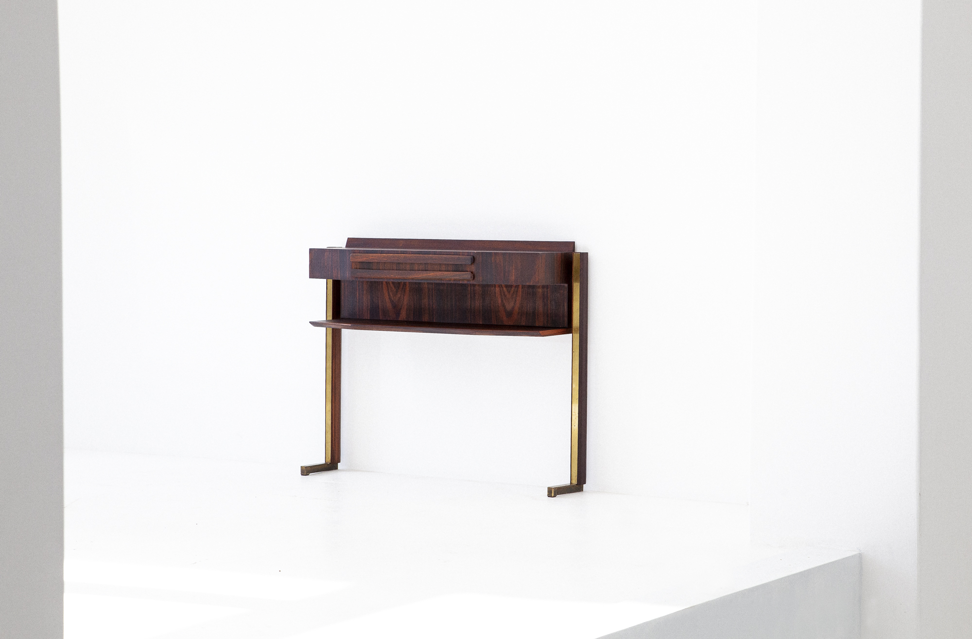 OF85-retro4m-1950s-italian-rosewood-brass-console-table-3