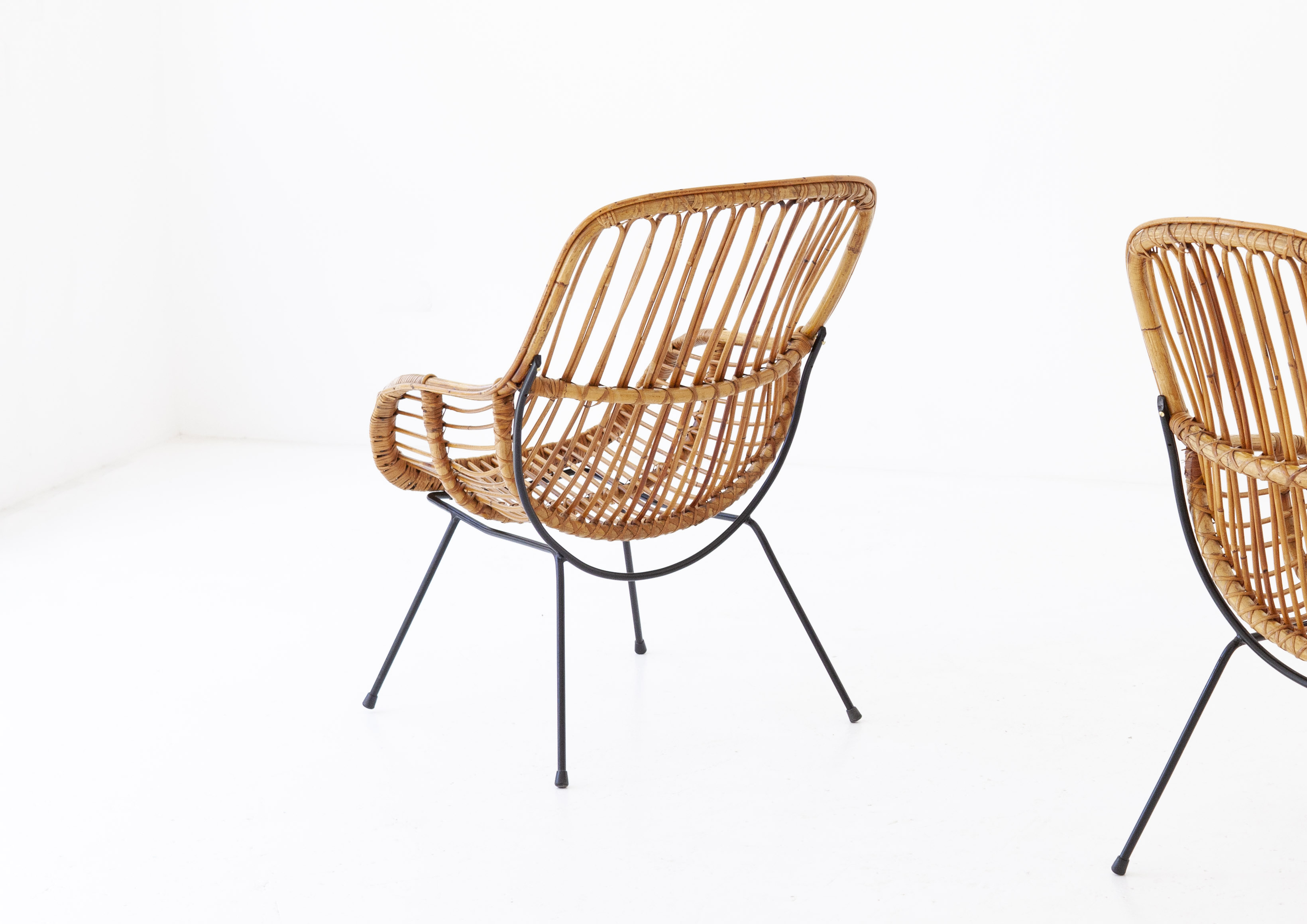 1950s-italian-iron-rattan-wicker-lounge-chairs-9-SE282