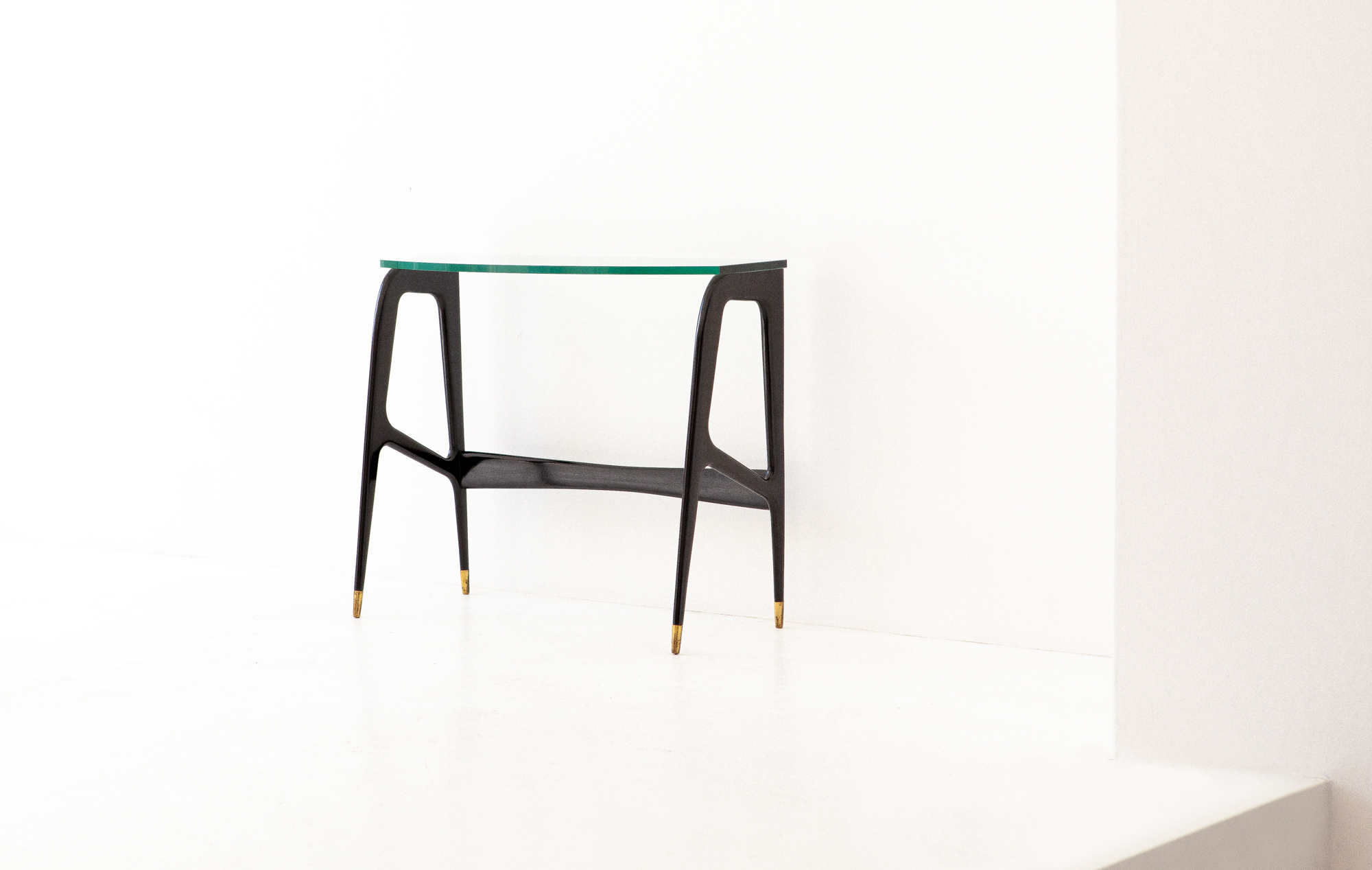 Italian-Black-lacquered-wood-brass-glass-console-table-4-OF87