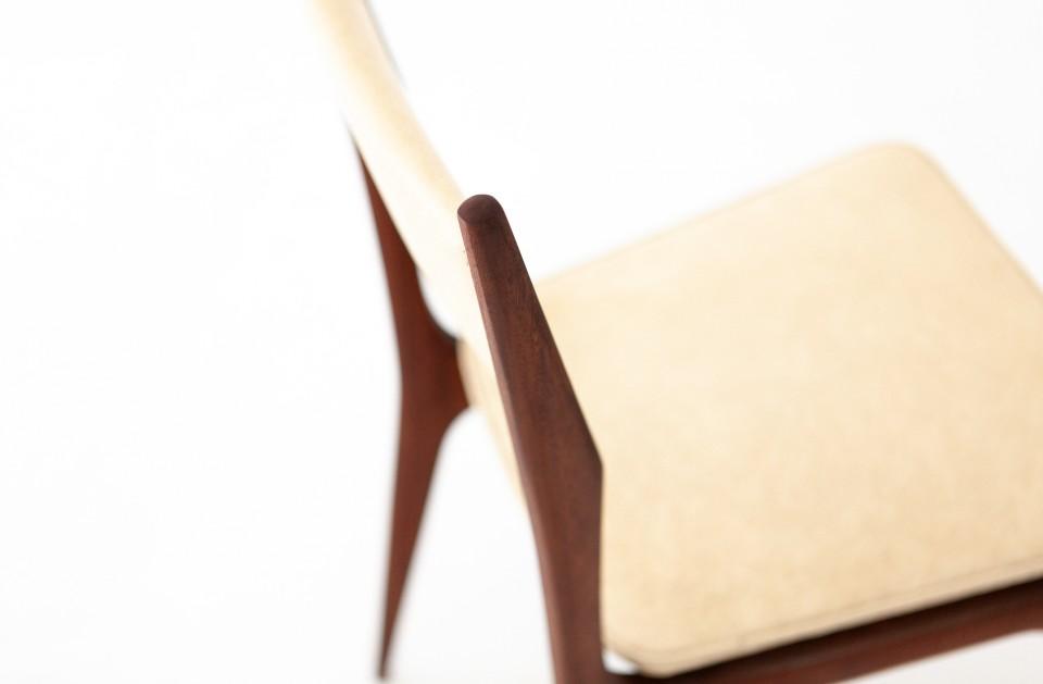 six-italian-mahogany-beige-skai-dining-chairs-6-SE281