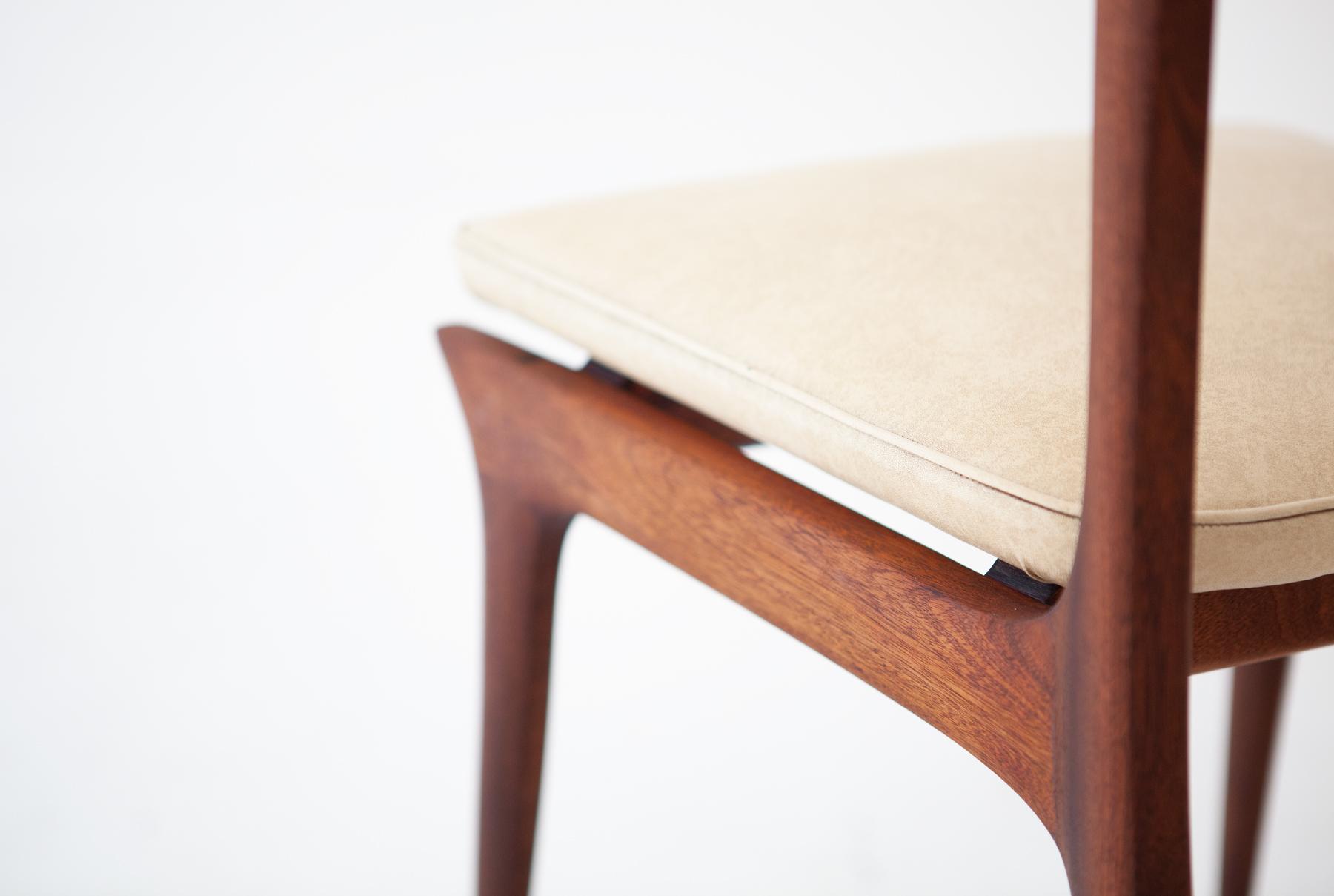 six-italian-mahogany-beige-skai-dining-chairs-7-SE281