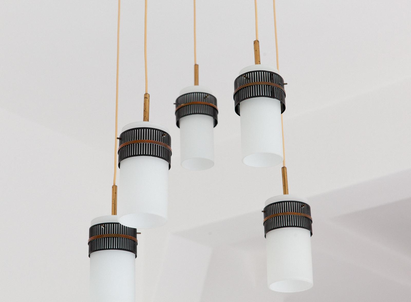 Italian-opaline-glass-brass-five-arm-chandelier-7-l80