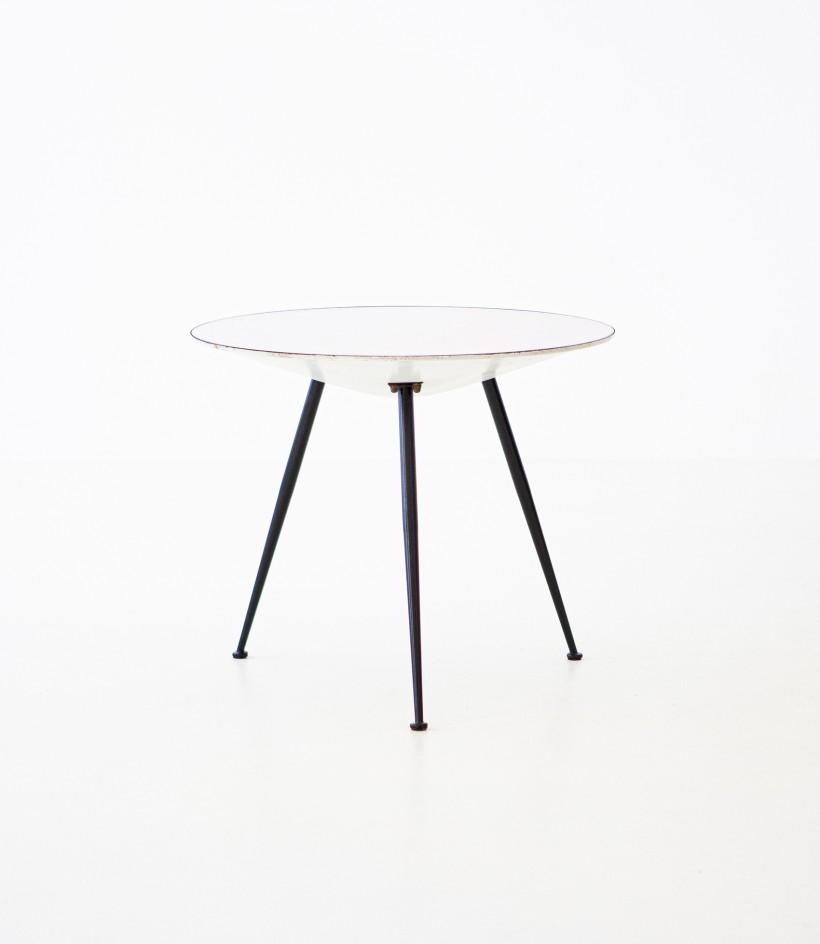 1950s Italian modern round coffee Table  T82