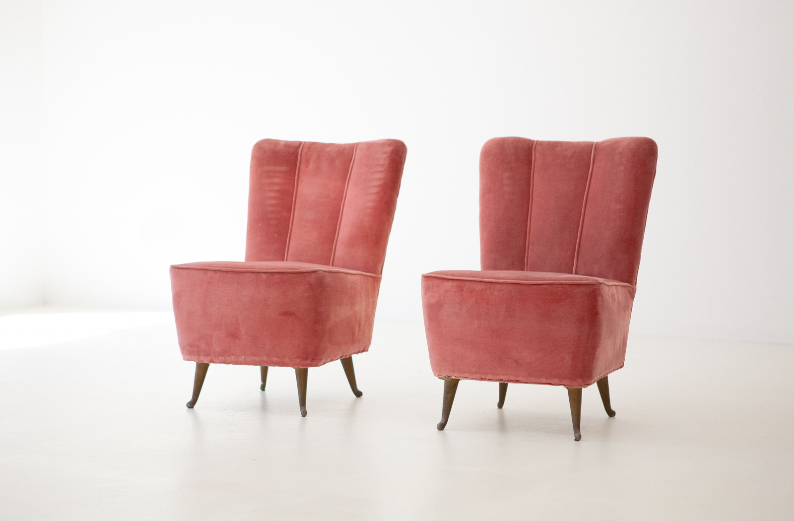Italian-easy-chairs-by-isa--se286
