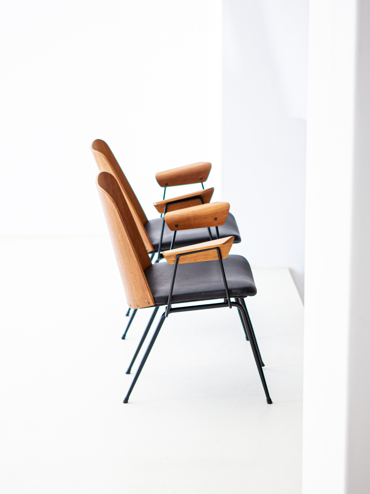 Italian-modern-desk-chairs-by-carlo-ratti-9-se287