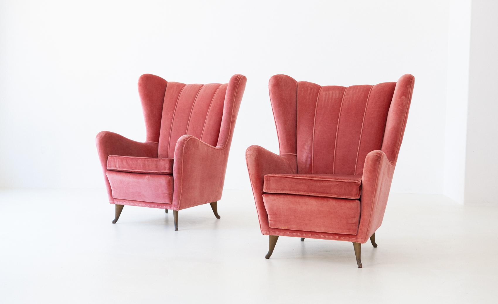 Italian-pink-velvet-armchchairs-by-isa-1-se291