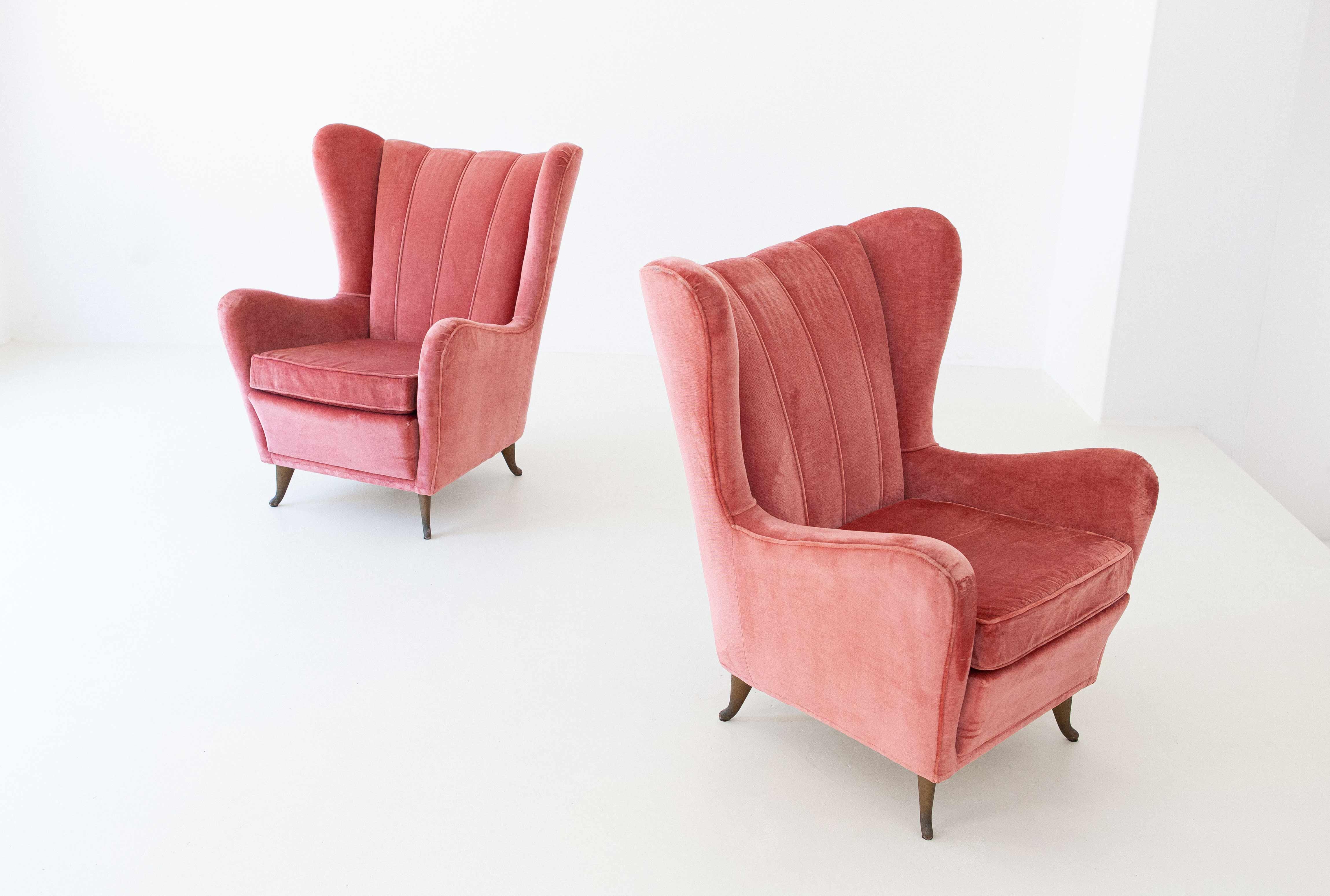 Italian-pink-velvet-armchchairs-by-isa-2ottimizzato-se291