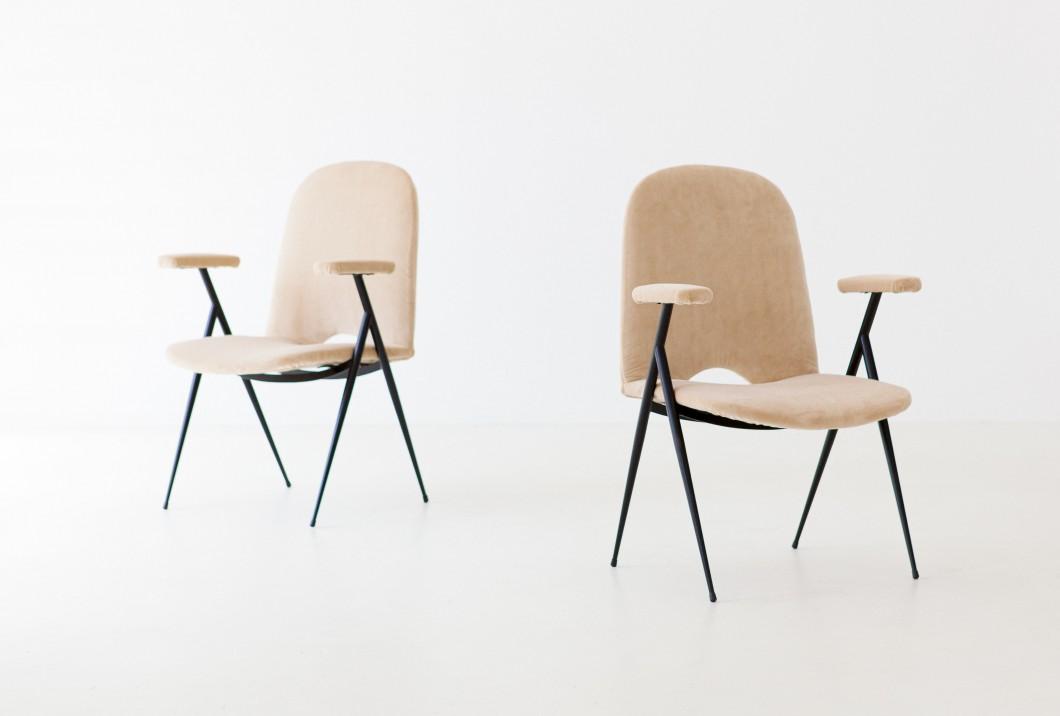 1950s Italian sand velvet armchairs SE292 – Not Available