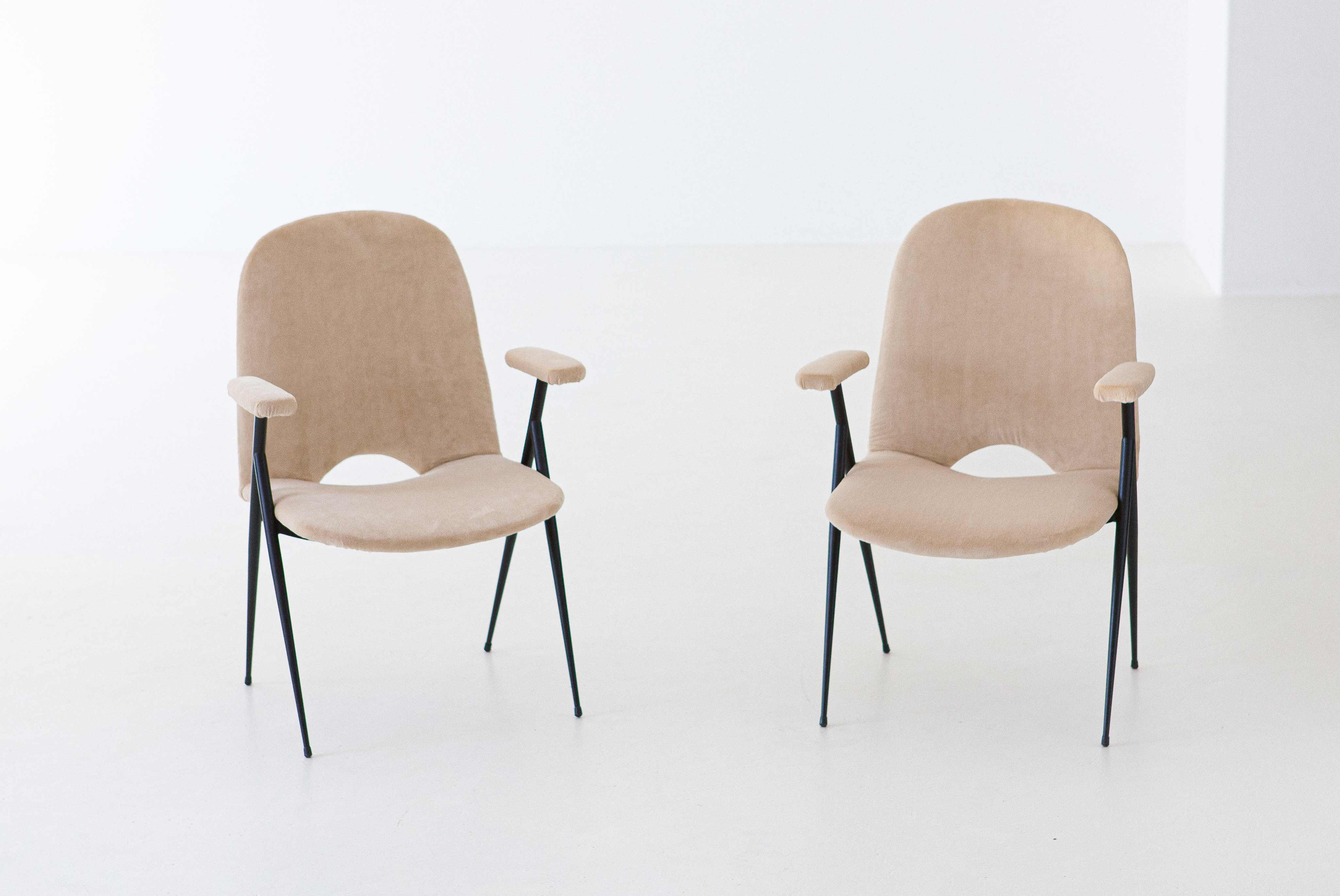 Italian-sand-velvet-easy-chairs--SE292-