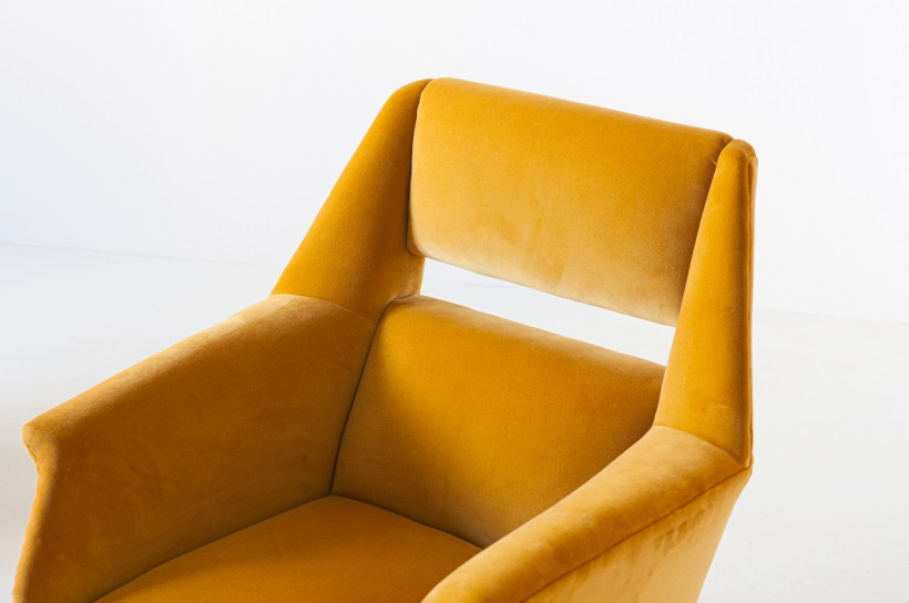 Pair of Gigi Radice armchairs ,1950s SE319